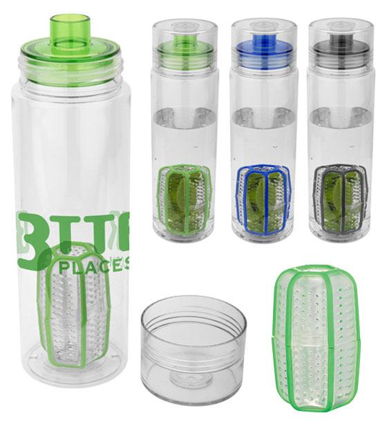"""Botella para infusiones """"Trinity"""". Agítala! Esta botella de infusión puede ser utilizada para fruta o para té. Además, también se puede utilizar como agitador para mezclar las bebidas de polvos o batidos. Material de Eastman Tritan ™ duradero. Resistente al olor. Patente pendiente. Libre de BPA. Volumen 750 ml. Presentado en una caja de regalo. Botella: Libre de BPA Eastman Tritan ™, Tapa: plástico."""